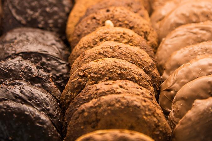 Lebkuchen in der Verkaufsvitrine – nur drei von vielen Sorten
