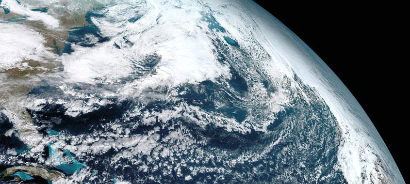Föhn: Satellitenbild Erde