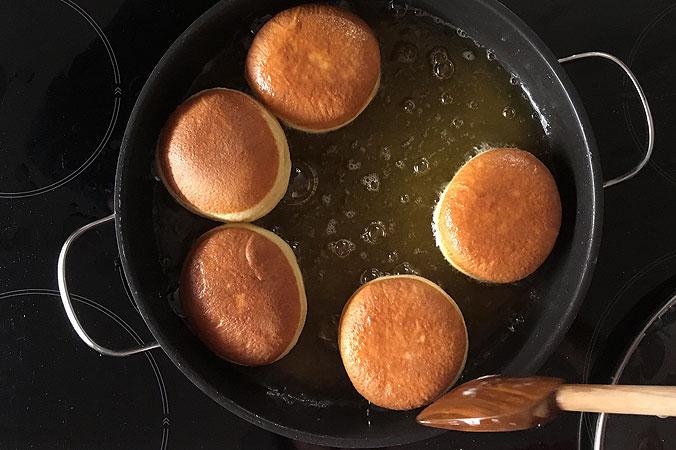 Krapfen selber backen: Am besten geht's mit Butterschmalz
