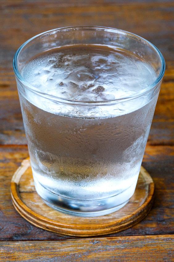 Was hilft gegen Kater - Wasser