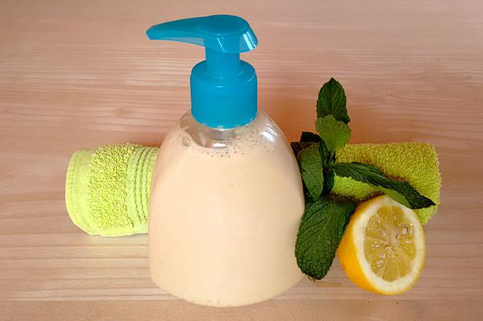 Duschgel selber machen – Duschgel abfüllen