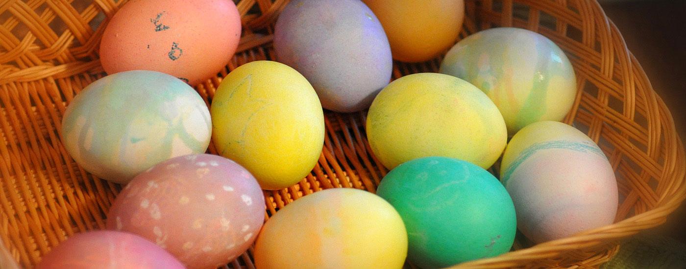 Ostereier verwerten – Eier in einem Körbchen