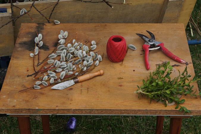 Palmbuschen binden – Werkzeug und Materialien