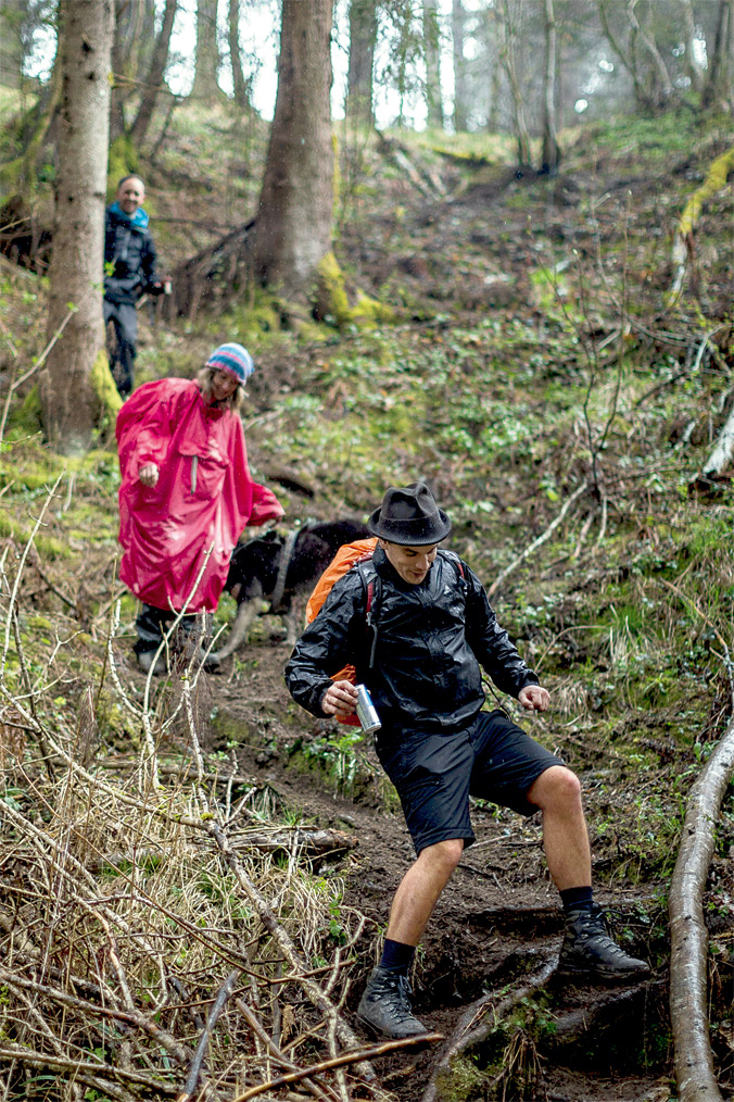 Vierbergelauf – Der Regen macht den Waldboden rutschig