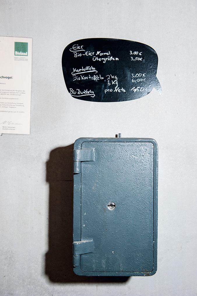 Ein Kästchen an der Wand wird zur Kasse