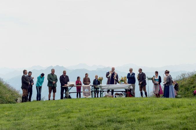 Hundstoa-Ranggeln – Vor dem Ranggeln findet ein Gottesdienst statt