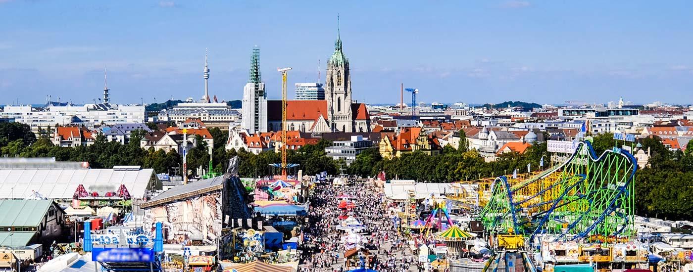 Wiesn Tipps: Sicht von oben auf das Oktoberfest in München