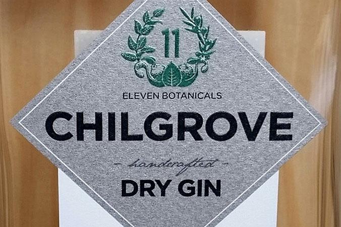 Dry Gin darf einige Zusatzstoffe enthalten, die im London Gin nicht zugelassen sind